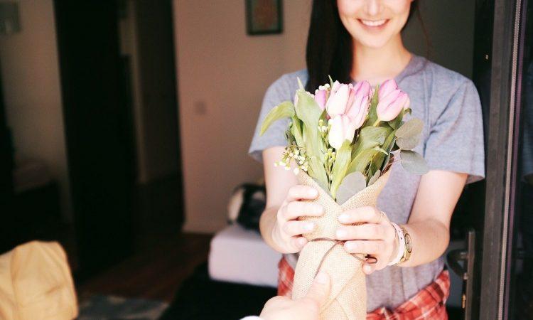 Bouquet Flowers Gift Gesture Romantic Tulips